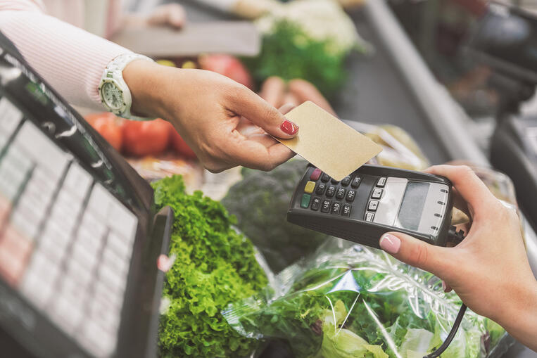 Contactless Payments in Pandemic Vesta